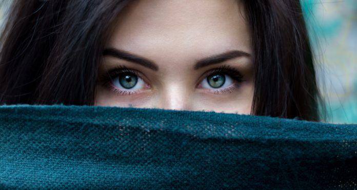 Do You Know What Should You Use To Cover Dark Under Your Eye Bags