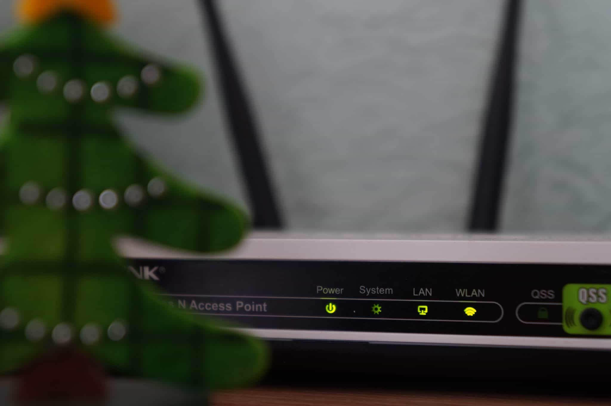 Limit WiFi bandwidth from the Router to specific devices