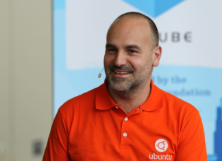 We were ten years ahead, but the community did not let us do it, says Mark Shuttleworth