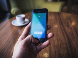 A bug in the Twitter app links users with their phone numbers