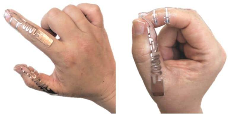 Antenna prototype glued on fingers