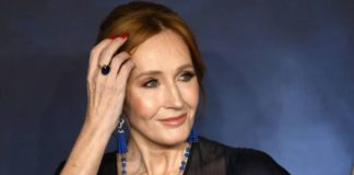 "JK Rowling and her controversy ""transphobia"" on Twitter: ""You just dug your grave"""