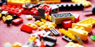 Lego sorter with neural network assembled from LEGO