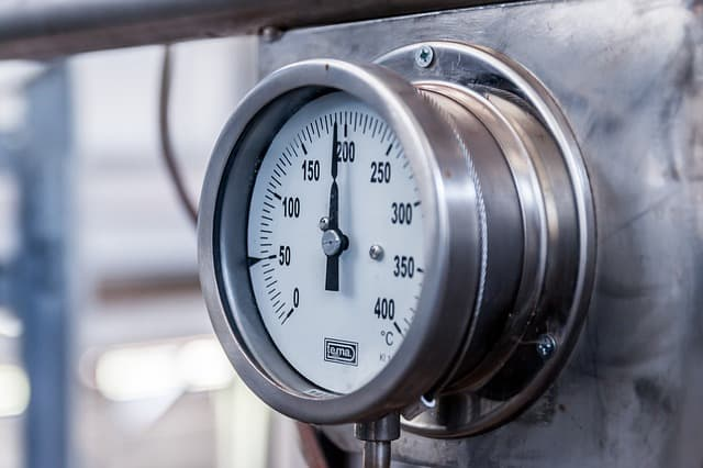 Physicists learn how to measure pressure through capacity