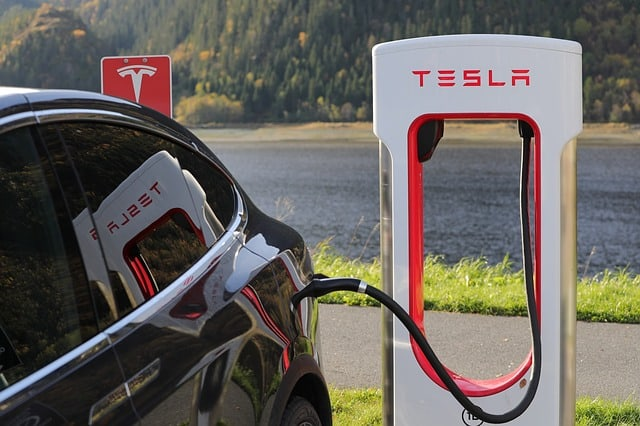Tesla destroys the forecasts (again) after delivering 367,500 electric cars during 2019, 50% more than in 2018