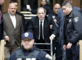 Weinstein faces a tough trial in NY and adds charges of abuse in Los Angeles