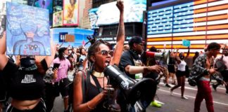 Protests in New York over the death of an African American black man in Wisconsin