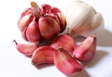 This popular way of cooking garlic makes it deadly dangerous